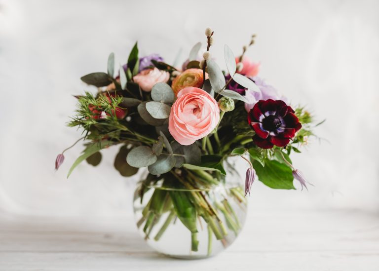 A Foam Free Arrangement Incorporating Fresh and Dried Materials